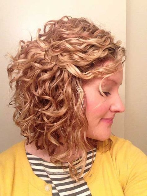 short haircuts with curly hair 17 - Short Haircuts With Curly Hair