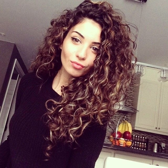 curly hairstyles 2018 8 - Curly Hairstyles 2018