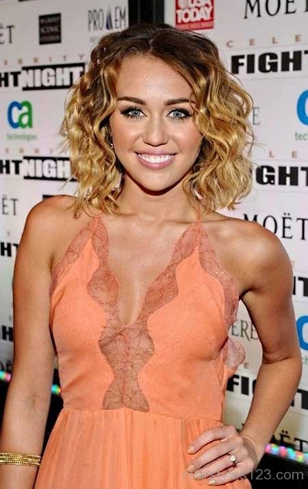 short curly hair 7 - Short Curly Hairstyles