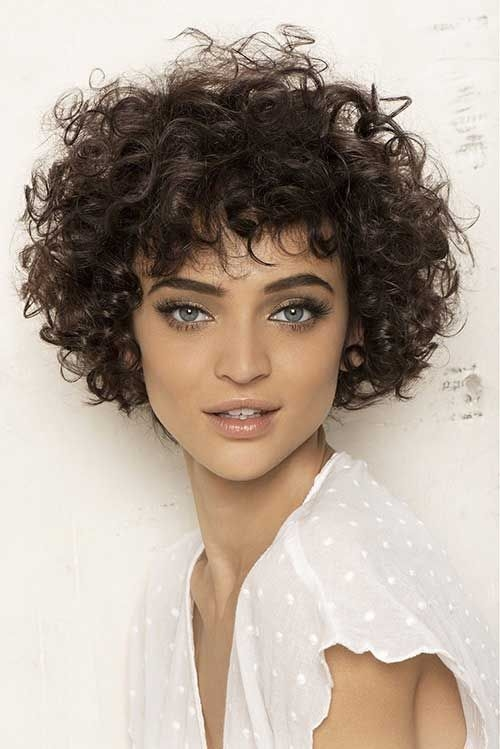short haircuts for curly hair 4 - Short Haircuts For Curly Hair
